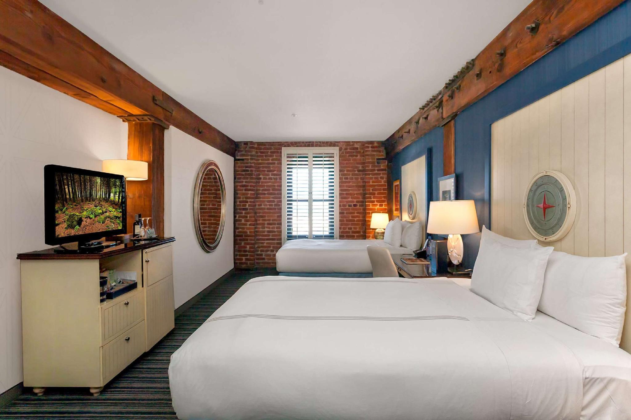 Deluxe Room - 2 Queen Beds