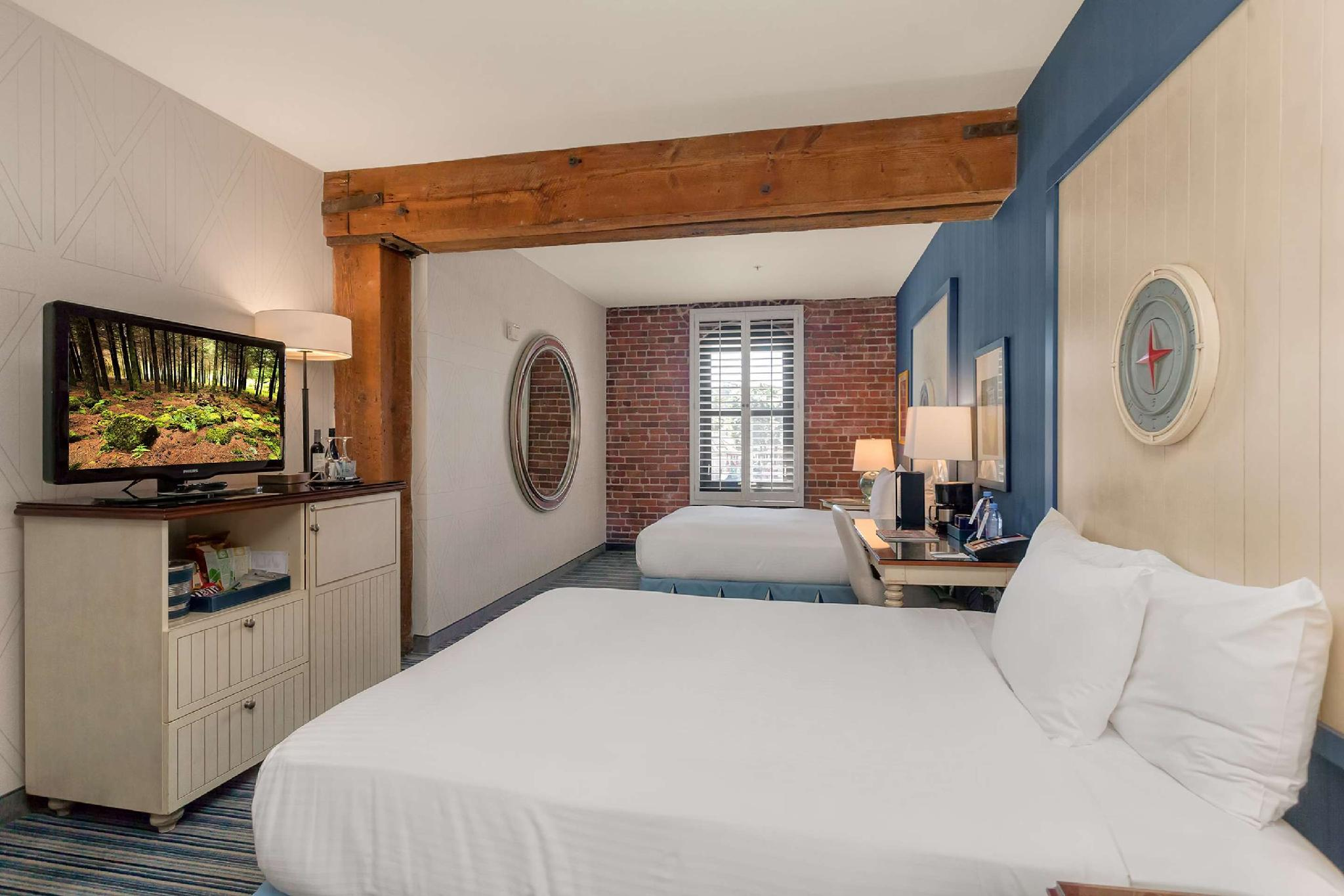 Two Queen Beds Bay View Room