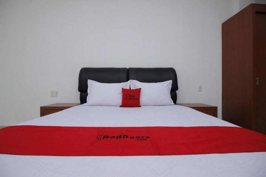 Fasilitas kamar RedDoorz Premium @ Gandaria Jagakarsa