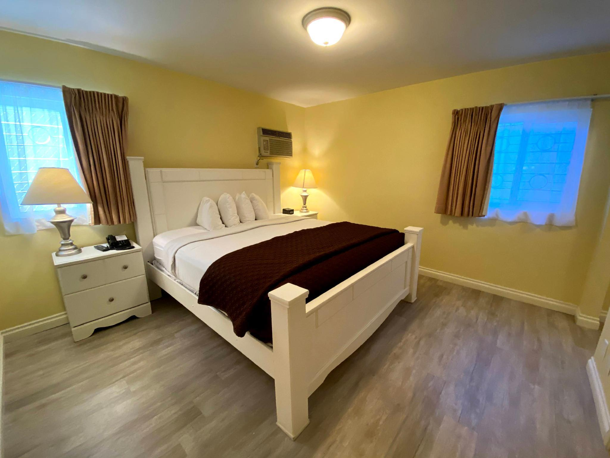 Deluxe King Room with 2 King Beds