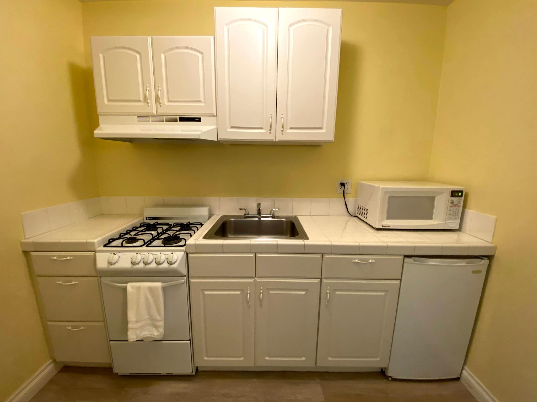 Executive 2 Queen with Kitchen