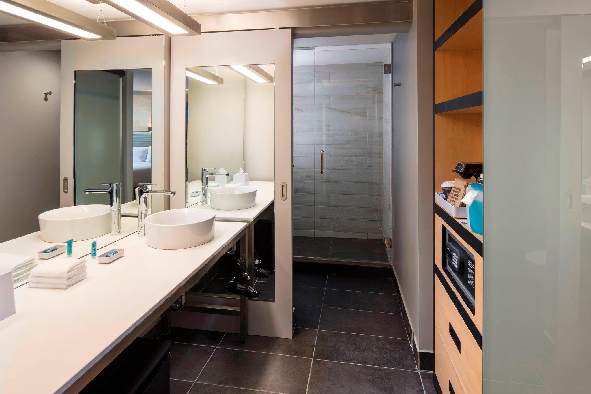 Aloft Guest Room, Guest room, 2 Double