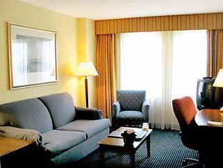 1 Bedroom Suite, 1 King, Sofa bed, Harbor view