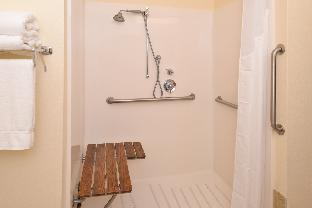 2 Bed Hearing Mobility Accessible Tub Non-Smoking