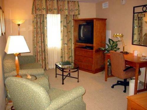 1 Bedroom Suite 1 King Bay View Non-Smoking