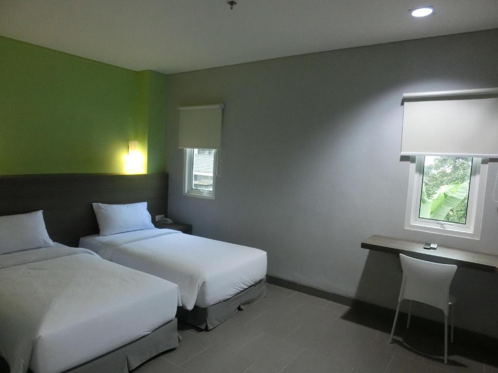 Fasilitas kamar IZI Hotel