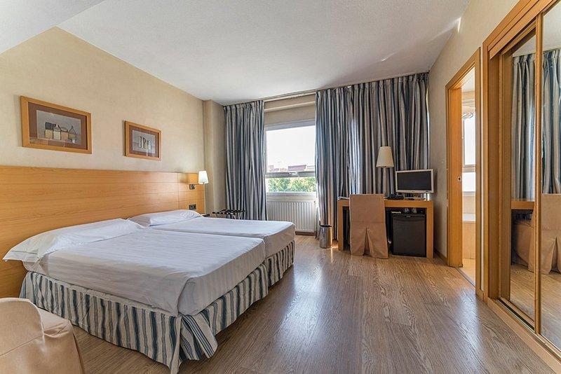 Hotel Infanta Mercedes ⭐⭐