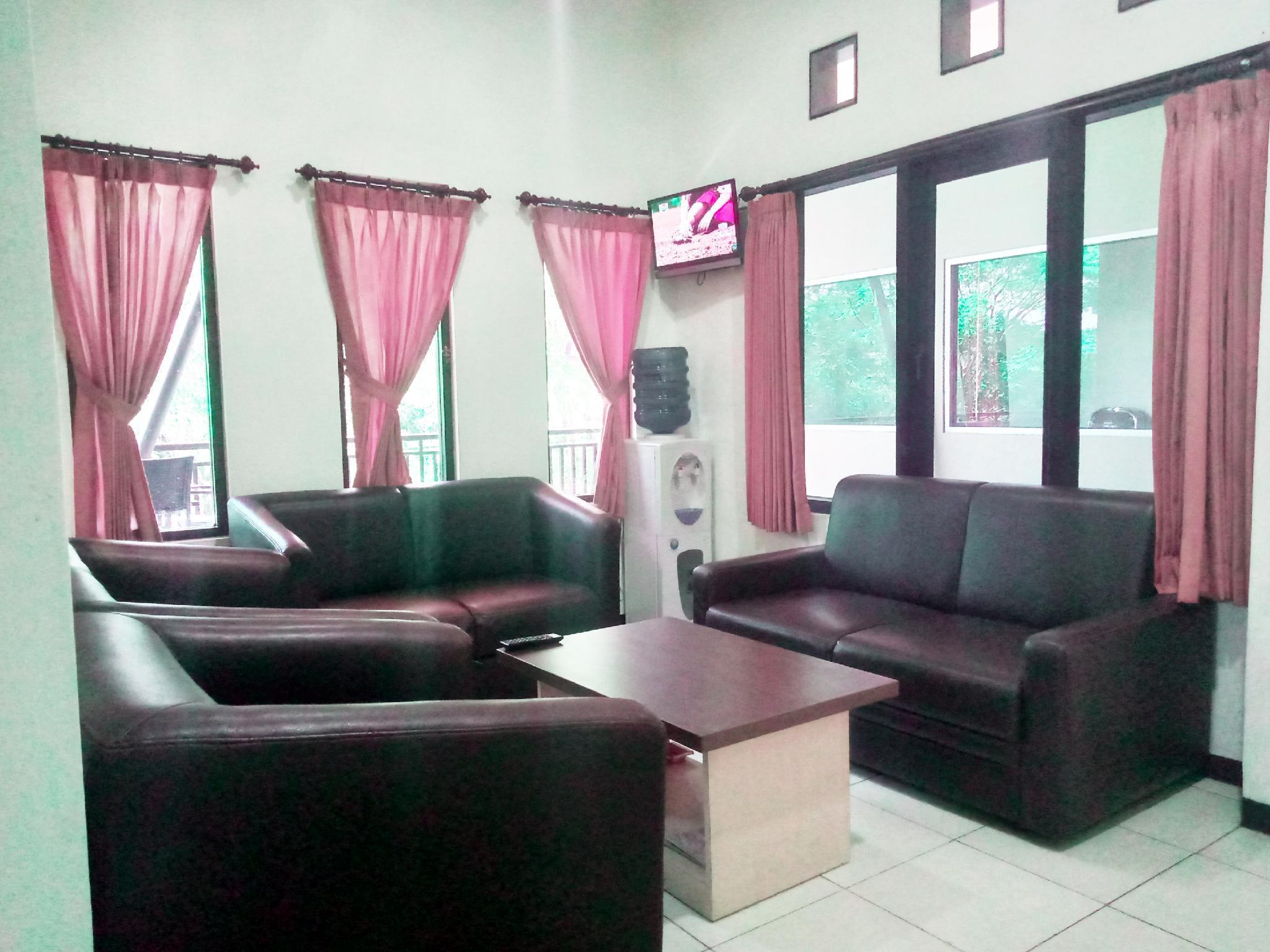 Villa Graha Nisrina 03, Malang