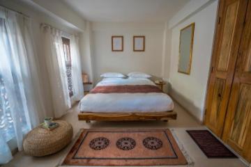 Artelier Homes | Deluxe Room I