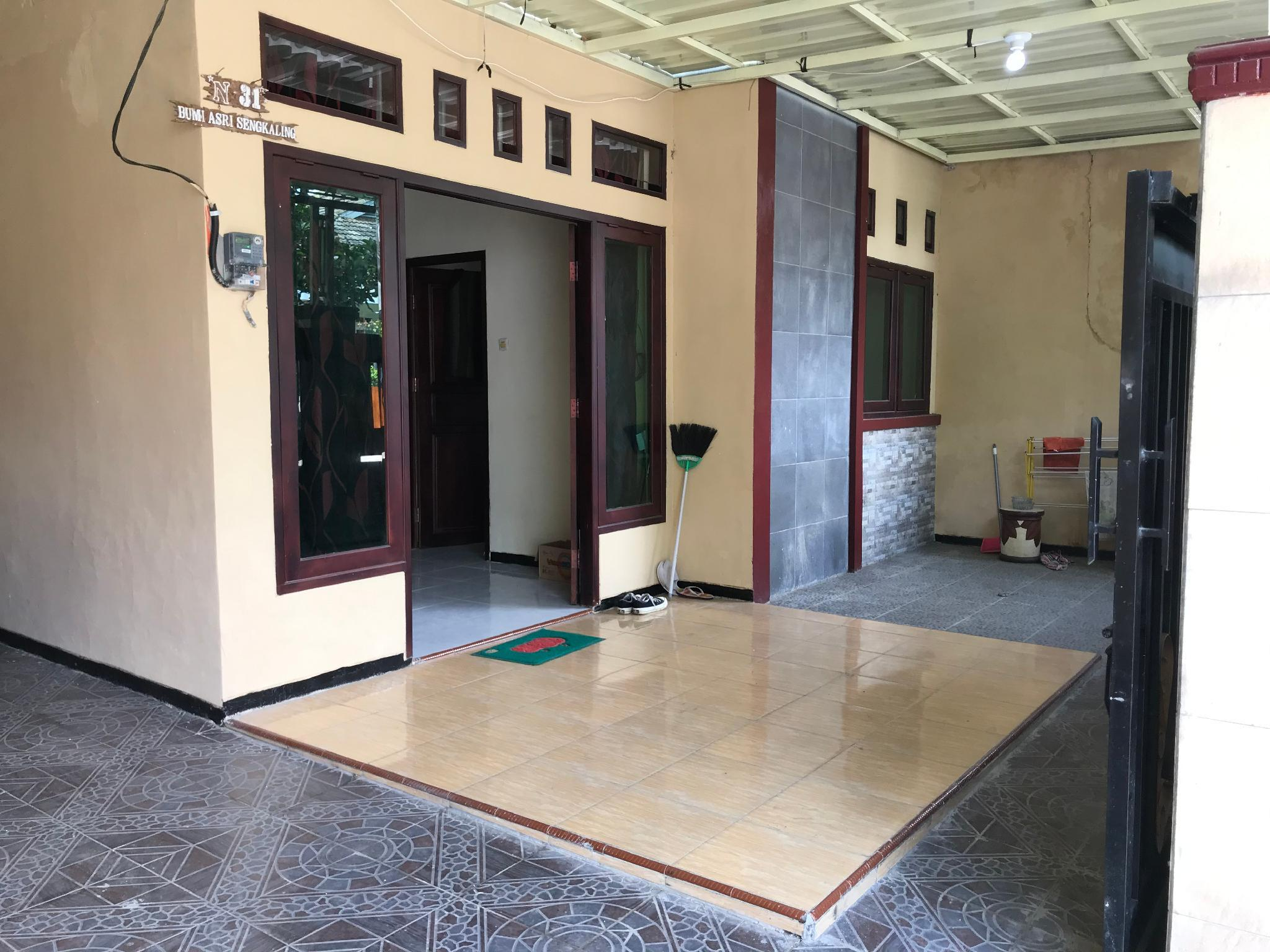 Vila Home Stay Perum Bumi Asri 3 Kamar Tidur, Malang