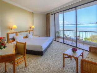 /copthorne-orchid-hotel-penang/hotel/penang-my.html?asq=jGXBHFvRg5Z51Emf%2fbXG4w%3d%3d