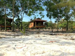/reef-on-the-beach-by-the-reef-resort/hotel/koh-rong-kh.html?asq=UN6KUAnT9%2ba%2b2VDyMl9jnsKJQ38fcGfCGq8dlVHM674%3d