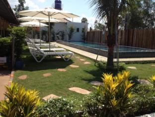 /relax-bungalows/hotel/sihanoukville-kh.html?asq=jGXBHFvRg5Z51Emf%2fbXG4w%3d%3d