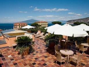 /ca-es/hotel-palazzo-guardati/hotel/sorrento-it.html?asq=jGXBHFvRg5Z51Emf%2fbXG4w%3d%3d