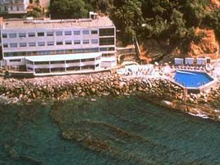 /hotel-le-rocce-del-capo/hotel/ospedaletti-it.html?asq=jGXBHFvRg5Z51Emf%2fbXG4w%3d%3d