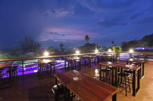 /balcony-party-hostel-aonang-beachfront/hotel/krabi-th.html?asq=jGXBHFvRg5Z51Emf%2fbXG4w%3d%3d