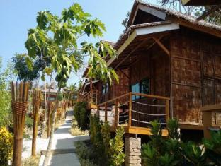 /hill-top-resort/hotel/ngwesaung-beach-mm.html?asq=jGXBHFvRg5Z51Emf%2fbXG4w%3d%3d