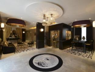 /hotel-le-versailles/hotel/versailles-fr.html?asq=jGXBHFvRg5Z51Emf%2fbXG4w%3d%3d