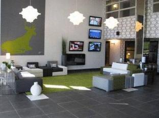 /sandman-hotel-suites-calgary-south/hotel/calgary-ab-ca.html?asq=vrkGgIUsL%2bbahMd1T3QaFc8vtOD6pz9C2Mlrix6aGww%3d