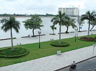 /river-star-hotel/hotel/phnom-penh-kh.html?asq=5VS4rPxIcpCoBEKGzfKvtIGccBdH%2bg5ww66KuTWLfU0%3d