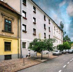 /hotel-mrak/hotel/ljubljana-si.html?asq=jGXBHFvRg5Z51Emf%2fbXG4w%3d%3d