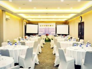 /lampion-hotel-solo/hotel/solo-surakarta-id.html?asq=jGXBHFvRg5Z51Emf%2fbXG4w%3d%3d