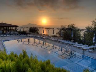 /bg-bg/gocce-di-capri-hotel-serviced-residence/hotel/massa-lubrense-it.html?asq=jGXBHFvRg5Z51Emf%2fbXG4w%3d%3d