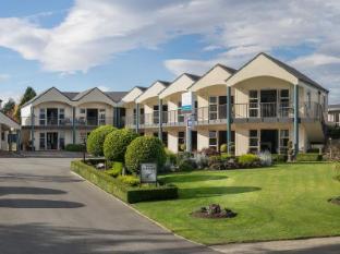 /radfords-on-the-lake/hotel/te-anau-nz.html?asq=vrkGgIUsL%2bbahMd1T3QaFc8vtOD6pz9C2Mlrix6aGww%3d