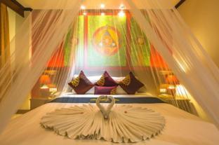 /vi-vn/tanawan-phuket-hotel/hotel/phuket-th.html?asq=vrkGgIUsL%2bbahMd1T3QaFc8vtOD6pz9C2Mlrix6aGww%3d