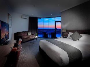 /the-lakes-resort-hotel/hotel/adelaide-au.html?asq=vrkGgIUsL%2bbahMd1T3QaFc8vtOD6pz9C2Mlrix6aGww%3d