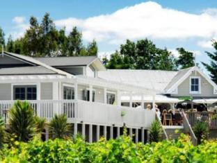 /huka-falls-resort/hotel/taupo-nz.html?asq=vrkGgIUsL%2bbahMd1T3QaFc8vtOD6pz9C2Mlrix6aGww%3d