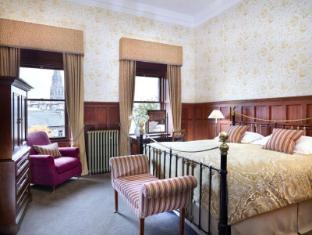 /the-edinburgh-residence/hotel/edinburgh-gb.html?asq=vrkGgIUsL%2bbahMd1T3QaFc8vtOD6pz9C2Mlrix6aGww%3d