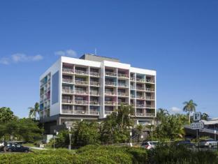/cairns-plaza-hotel/hotel/cairns-au.html?asq=vrkGgIUsL%2bbahMd1T3QaFc8vtOD6pz9C2Mlrix6aGww%3d