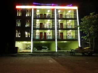 /luxer-deluxe-hotel/hotel/ngwesaung-beach-mm.html?asq=jGXBHFvRg5Z51Emf%2fbXG4w%3d%3d