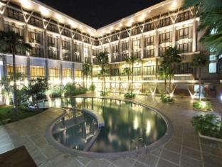 /ratu-hotel-serang/hotel/banten-id.html?asq=jGXBHFvRg5Z51Emf%2fbXG4w%3d%3d