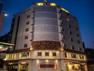 /uniqstay-hostel-suite/hotel/busan-kr.html?asq=jGXBHFvRg5Z51Emf%2fbXG4w%3d%3d