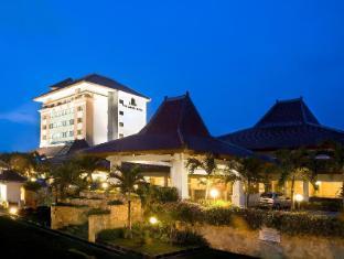 /the-sunan-hotel-solo/hotel/solo-surakarta-id.html?asq=jGXBHFvRg5Z51Emf%2fbXG4w%3d%3d