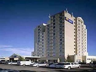 /comfort-hotel-airport-north-toronto/hotel/toronto-on-ca.html?asq=ZehiQ1ckohge8wdl6eelNFEsU2siABPcmXh2XXXsiE%2bx1GF3I%2fj7aCYymFXaAsLu