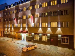 /pt-br/cloister-inn-hotel/hotel/prague-cz.html?asq=jGXBHFvRg5Z51Emf%2fbXG4w%3d%3d
