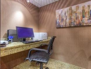 /comfort-inn-and-suites-evansville-airport/hotel/evansville-in-us.html?asq=jGXBHFvRg5Z51Emf%2fbXG4w%3d%3d