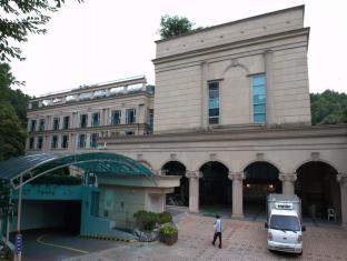 /ar-ae/the-residence-of-palace-in-jungwon/hotel/seongnam-si-kr.html?asq=jGXBHFvRg5Z51Emf%2fbXG4w%3d%3d