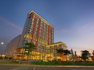 Harris Hotel and Conventions Bekasi