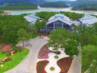 /terracotta-hotel-and-resort-dalat/hotel/dalat-vn.html?asq=jGXBHFvRg5Z51Emf%2fbXG4w%3d%3d