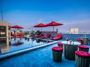 /diamond-palace-resort-and-sky-bar/hotel/phnom-penh-kh.html?asq=jGXBHFvRg5Z51Emf%2fbXG4w%3d%3d
