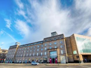/leonardo-hotel-edinburgh-city-centre/hotel/edinburgh-gb.html?asq=vrkGgIUsL%2bbahMd1T3QaFc8vtOD6pz9C2Mlrix6aGww%3d